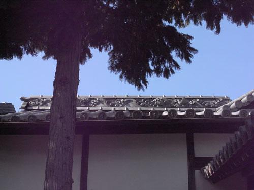 鯉喰神社の瓦