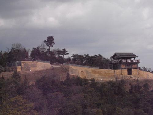 展望台から眺める鬼ノ城門